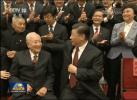 习近平一再邀请他坐到身边,这位广东老人到底是谁?