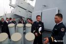 外军登上驻港部队战舰