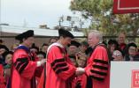 【组图】美国波士顿大学授予张艺谋荣誉博士学位