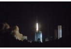"""嫦娥四号任务""""鹊桥""""中继星成功实施近月制动 进入预定轨道"""