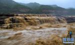 受上游降雨的影响 壶口瀑布出现多个瀑布群