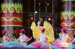 两岸同胞齐举火把狂欢 载歌载舞同庆民族佳节