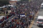 7500移民疯狂向美国边境挺进 特朗普:国家紧急事件