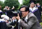 大学教师退休带走200万张学生照片:40年的校园记忆