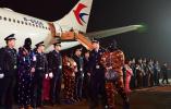 公安今年首次!191名网络诈骗嫌疑人从老挝被押回国