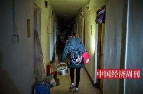 """北京市户籍和外来人口首次""""双降""""  谁在逃离北京?"""