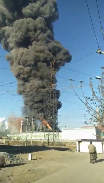 河南安钢炼铁厂高炉着火:因炉内压力失常致使膨胀节突然脱落引起