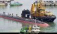 实力不俗:印最先进潜艇停靠在印最强军舰旁
