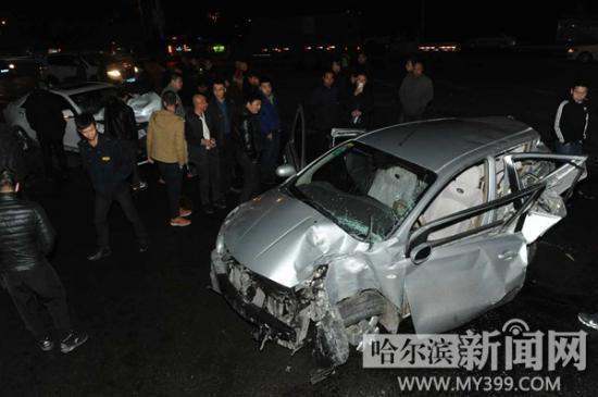 大连豪车追尾尼桑 女乘客被甩出车外当场死亡 图