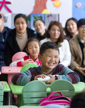 太原小学举行开放日 家长与孩子同上一堂课