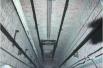 维修工从32层楼坠下大难不死 电梯厢缓冲救命