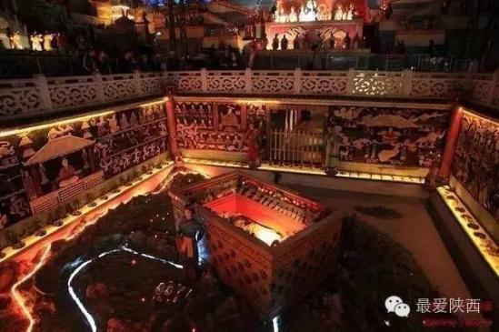 西安/最后是鸿门宴遗址,下面左边的为其中展出的四羊方尊展品,右边...
