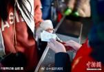 """北京西站回应取票时被假""""志愿者""""骗财:将加大打击"""