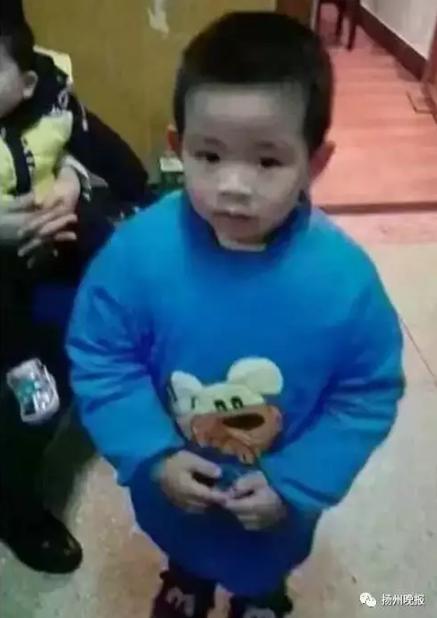 90后母亲杀死5岁儿子藏尸床底 自己睡尸体上两天
