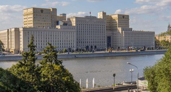 澳门赌城网址大全:俄国防部公布军费和武器装备支出比例 军费占40%