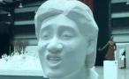 网红表情包做成雕塑