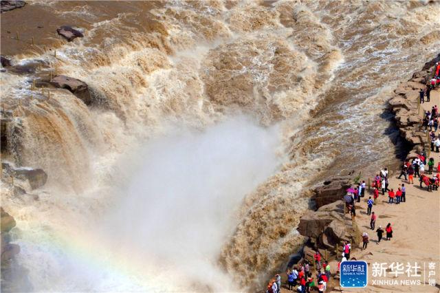 航拍黄河壶口瀑布
