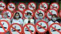 江苏扬州:行为艺术劝戒烟