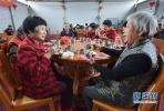 """平山县西沟村建立""""爱心食堂"""" 供老人免费用餐"""
