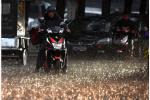 全力应对暴雨侵袭 北京转移群众2510人