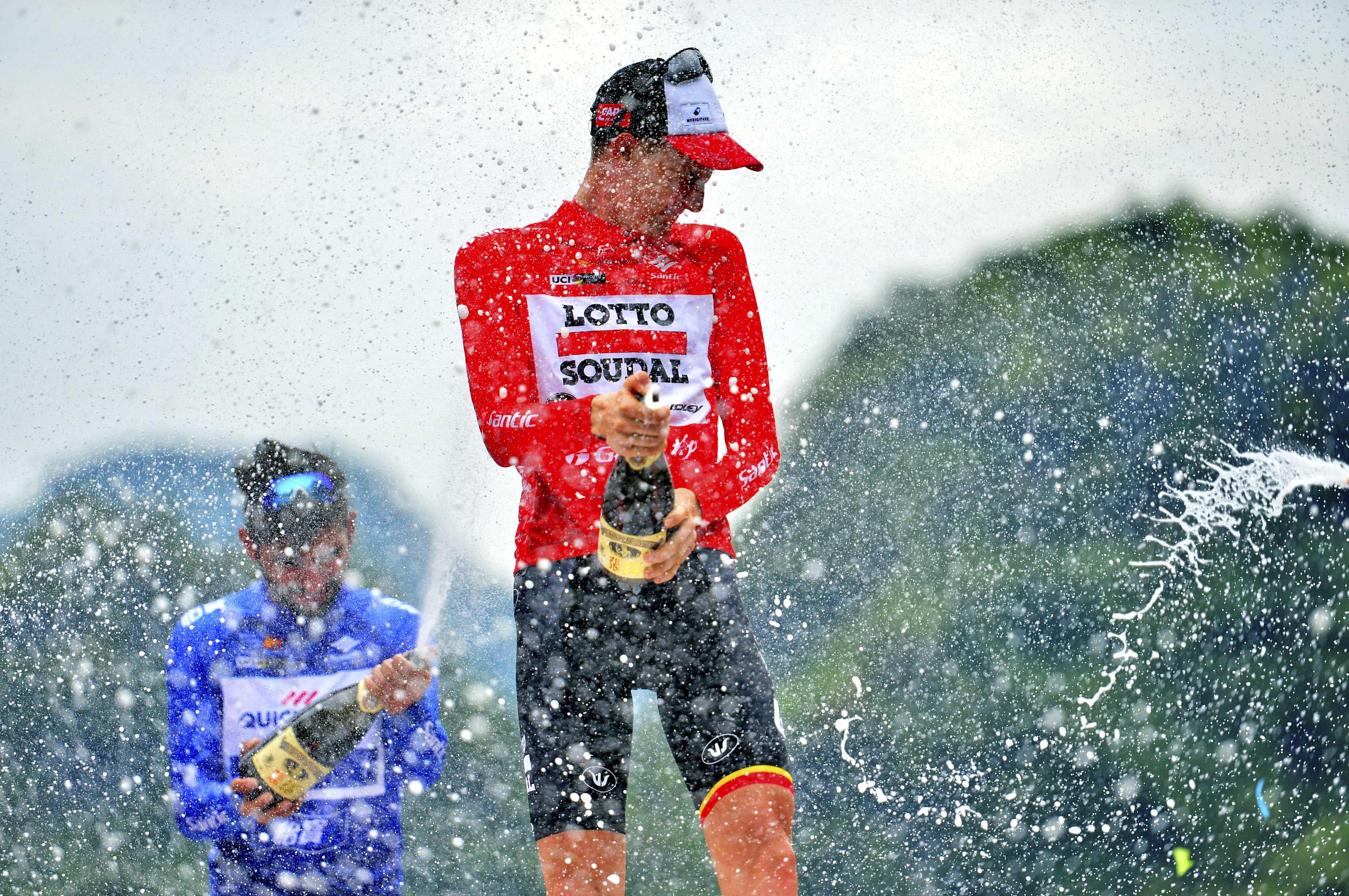 体育赛事颁奖台为什么获奖车手要开香槟?