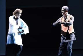 融合创新经典再现 2019国际大一分6合学生 戏剧展演举行