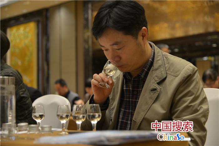【奋进新时代 出彩河南人】侯建光:一生只为酿一瓶好酒