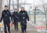 河南鲁山:顶风冒雪送温暖 走访慰问暖人心