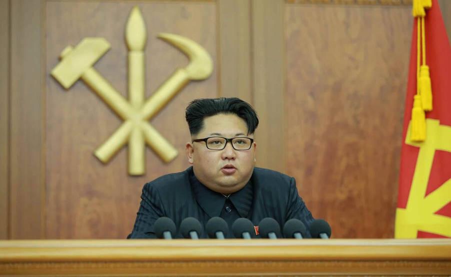 1日报道,朝鲜最高领导人金正恩今天通过朝鲜中央电视台发表新年图片