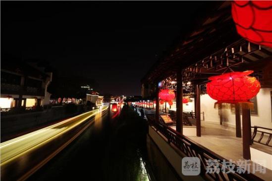 秦淮河灯影如诗如画