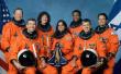 """2003年2月1日 (癸未年正月初一) 美国""""哥伦比亚""""号航天飞机降落时爆炸解体"""