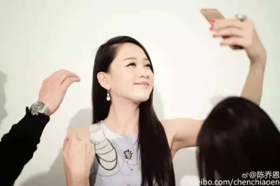 29岁高龄出演《命中注定我爱你》,成为台湾史上第一位偶像剧收视率破