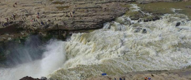 黄河壶口瀑布冬季美景