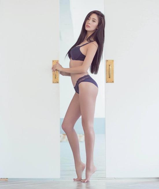 亚洲第一美女李成敏性感写真.