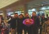 国际航班上男子企图劫机 中国乘客果断出击制服歹徒