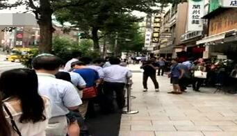 这家中华老字号让日本食客在街头排起长队