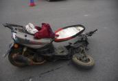 扬州一男子推女儿回家 被电动车撞上不幸身亡