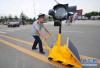 济南将规范人行横道 延长行人信号时间