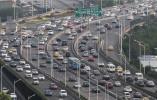去年南京新增20萬輛機動車 交警對症施策緩擁堵