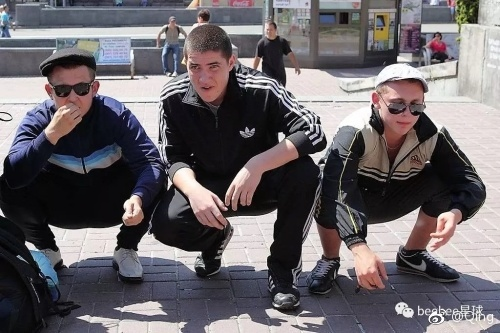 俄黑幫嗑瓜子上癮