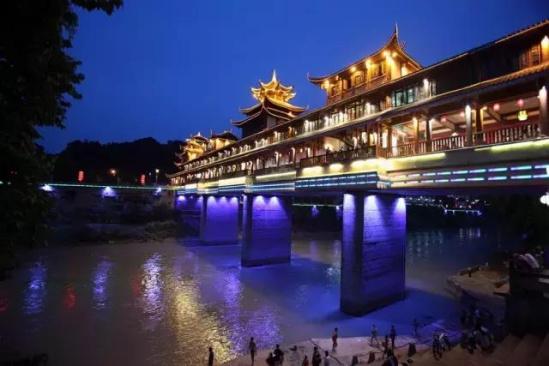 恩施市是中国优秀旅游城市,国家园林城市,湖北省九大历史文化名城之一