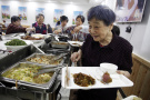 让老人不再为吃饭发愁 浦江全县推行老年食堂三餐制