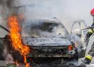 汽车着火 被烧毁