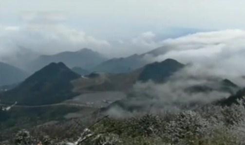 四川:雪景云海宛如山水画卷
