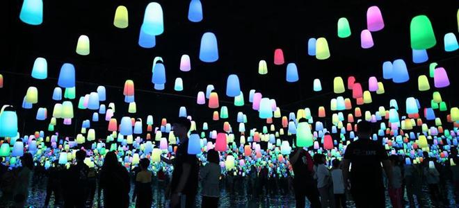 青岛:光影扮靓假期