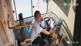 M337公交司机驾驶途中突发心梗 强忍疼痛把乘客安全转移