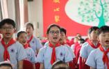 兰考县委常委、宣传部长朱春艳为兰阳一小师生讲授思政课