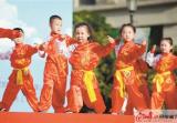 """云龙区和平上东小区举行""""庆六一""""文艺汇演"""