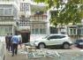济南一小区疑煤气罐泄漏爆炸 阳台玻璃炸飞伤人