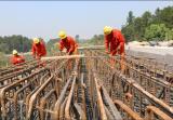 高温下的建设者︱铁路人的坚守